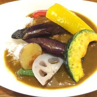 野菜素揚げカレー(インドール )