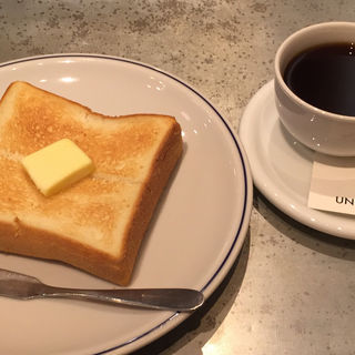 トーストセット(ユニゾン・テイラー・コーヒー・アンド・ビール)