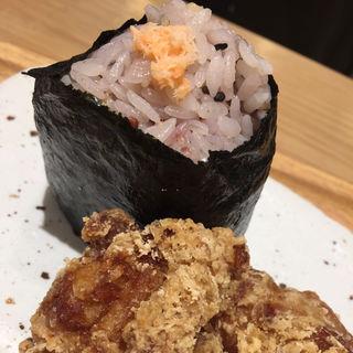 十六穀鮭 唐揚げ2ケ付き(おだむすび 本店 )