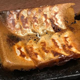 羽根つき黒豚餃子(山内農場 なんば千日前店 )