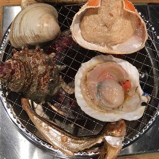 大あさり、帆立、サザエ、蟹味噌(大曽根魚貝センター 浜焼商店)