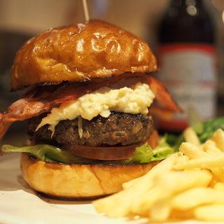 ポテサラベーコンバーガー(burgers)