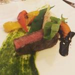 和牛ロース肉のグリル ルッコラペーストとバルサミコの2色ソース(Bruno del vino (ブルーノ デル ヴィーノ))