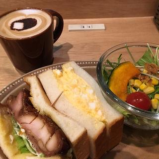 Bread Meal Set(2種類のサンドイッチ+サラダ+お好きなドリンク)(博多の食パン屋むつか堂CAFE)