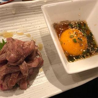 炙りユッケ(恵比寿 牛タン 英司)