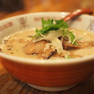 鶏骨醤油チャーシュー(しゅんのすけ )
