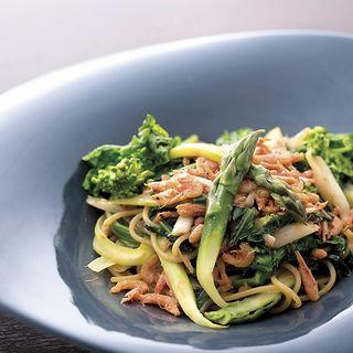 スパゲッティーニ 桜海老と彩り野菜