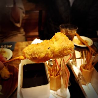 牛ホルモン(いか玉焼と串カツ マハカラ (MAHAKALA))