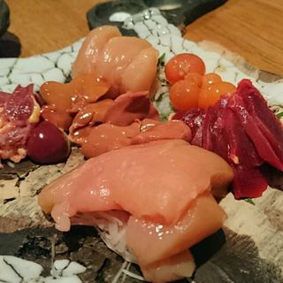 地鶏刺身の盛り合わせ(5種)(鶏一途 )