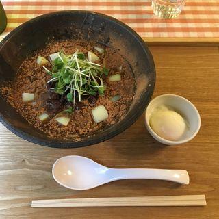 濃厚カレー麺(麺ビストロ Nakano)