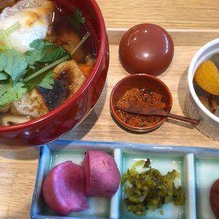 お雑煮と漬物(銀座やまう)