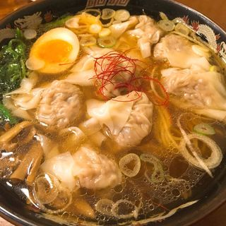 濃厚黒豚雲呑麺(広州市場 西新宿店 )