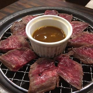 和牛もも肉の瞬間燻製(武蔵小杉っ子居酒屋 燻し屋 もっくん)