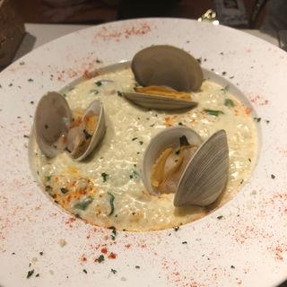 ハマグリのチーズリゾット(natural kitchen yoomi)