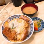 カツ丼(味噌汁つき)(あけぼの )
