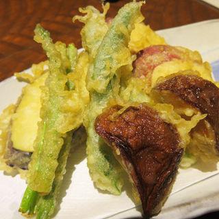 野菜の天ぷらの盛り合わせ(たぐせん (しゅぜんや たぐせん))
