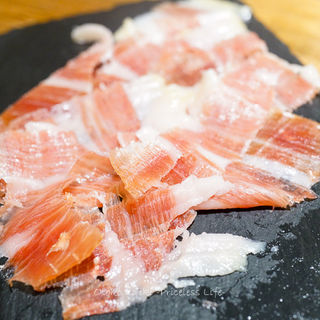 ハモンセラーノ(スペイン料理サルデスカ )