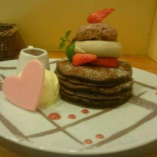 バレンタインパンケーキ(パンケーキママカフェ VoiVoi (ヴォイヴォイ))