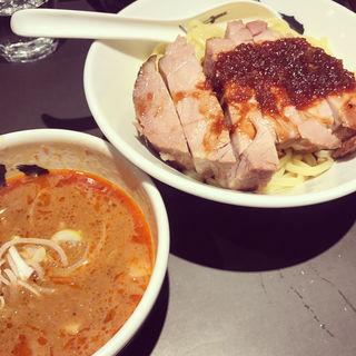 濃厚赤厚切りローストポークつけ麺(麺屋武蔵 武骨相傳)