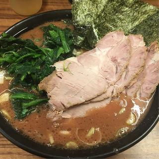 ラーメン(横浜家系らーめん 二代目武道家)
