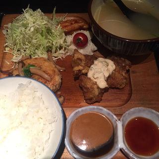 〈丸の内限定〉炭焼鶏ハンバーグとチキン南蛮(おでん・かしみん )