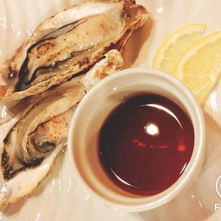 牡蠣炙り(赤坂魚バルTAZAEMON)