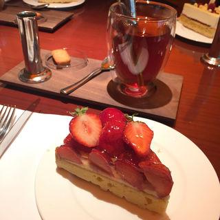 ケーキセット あまおういちごタルト(ピエール)