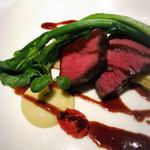 黒毛和牛もも肉の炭火焼き 赤ワインソース