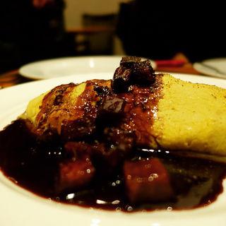 カキのオムレツ 赤ワインソース(フレンチダイニングバー・イリゼ 六本木 (French Dining Bar irise))