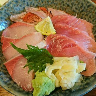 贅沢三昧丼(魚どん 然)