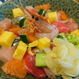 漁港直送バラちらし(魚どん 然)