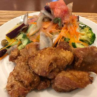 彩り野菜プレート(らんまん食堂 MARK IS みなとみらい店 )
