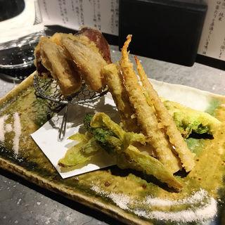 旬菜おまかせ五種盛り(天ぷら)(日本酒バル 厨)