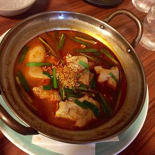 焚き豚足 チゲスープ(居酒屋 とみ )