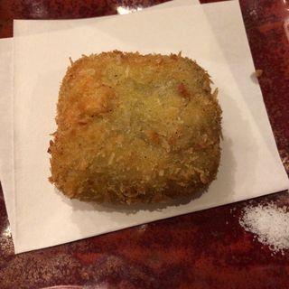 蟹味噌クリームコロッケ(魚や きてれつ )