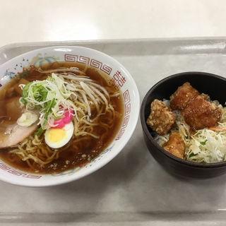 特製麺(札幌家庭・簡易裁判所 地下食堂)