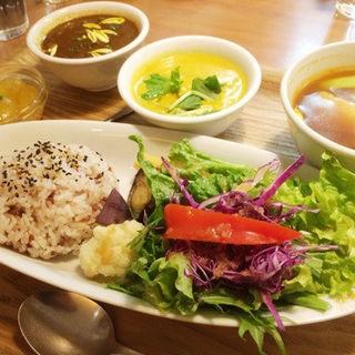 カレーセットに美肌スープ付き(10ZEN 品川店)