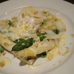 二色アスパラのグリル タレッジョチーズソース