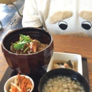 ベトナムサンド味バインミー鯖丼(adito(アヂト))