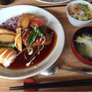 和風ソースのロコモコ丼(BEANS (ビーンズ))