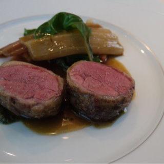 前菜、魚、肉、デザートのコース(BEIGE ALAIN DUCASSE TOKYO)