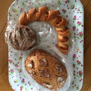 ドライフルーツとくるみのパン(Boulangerie 6)