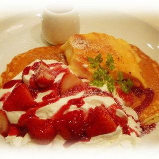苺とクレームブリュレのパンケーキ(Butter 茶屋町 (バター))