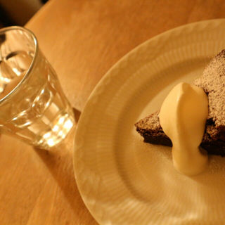 カプリ風チョコレートケーキ(cafe mon st.lou (カフェ モンサンルー))