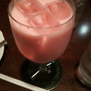 赤ミルク(ザクロの花のシロップ)(Cafe' de Rhodanthe (カフェ ド ローダンセ))