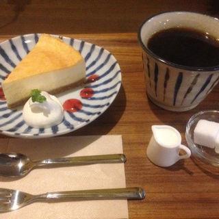 チーズケーキ(cafeSUN Room)