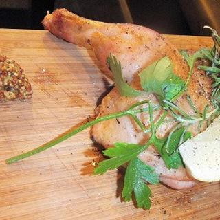 半身鶏の香草焼き(DESIGN FOOD MARKET)