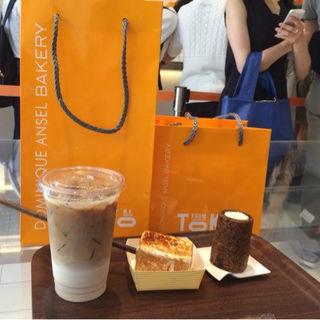 クッキーショット(DOMINIQUE ANSEL BAKERY TOKYO (ドミニクアンセルベーカリートウキョウ))