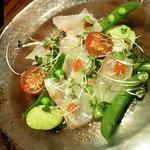 季節のメニューの桜鯛と春野菜のティラディート