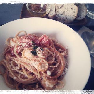 ランチスパゲッティ(水牛モッツアレラとフレッシュトマトとバジル)(Fika (フィーカ))